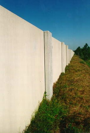 Photo Of A Smooth Surface Finish Concrete Noise Barrier
