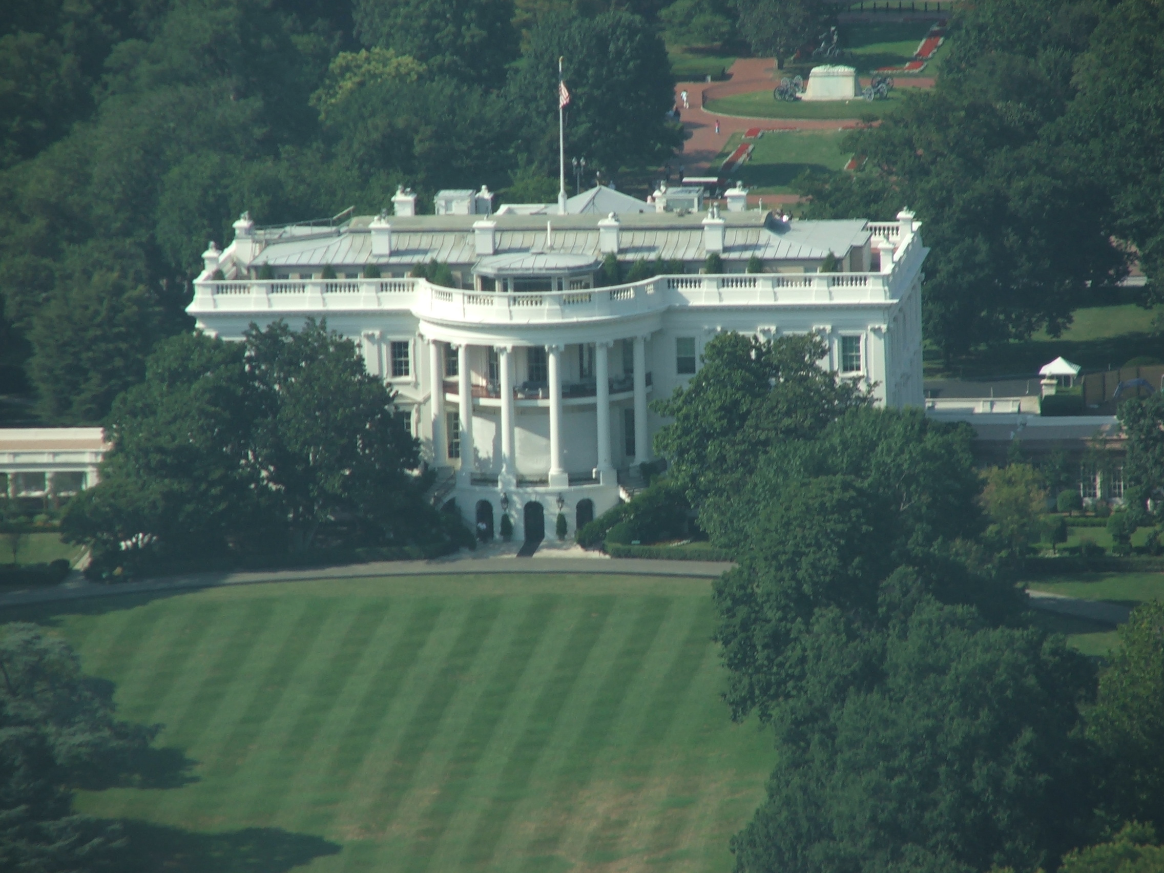 Photo 66418 aerial view of the white house america 39 s for Outside view of house