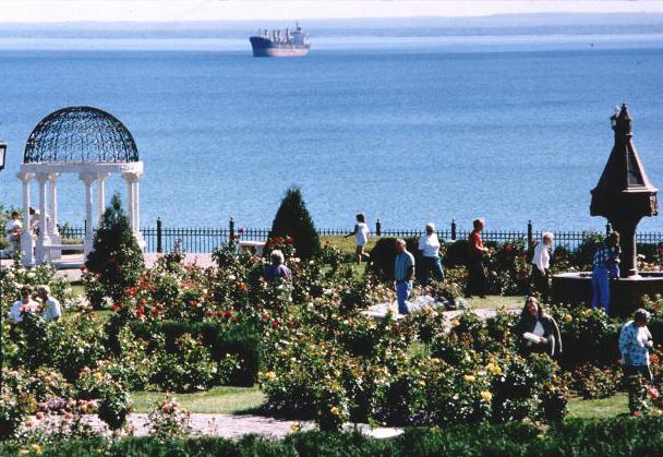 Leif Ericson Park Rose Garden 1998 Eihd Excellence In Highway