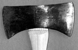 Photo showing a lind scribed below the rough fitted handle to denote the final shoulder where the head sits.