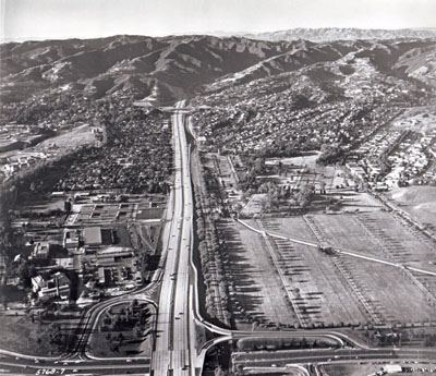 Looking northerly along San Diego Freeway with Wilshire Boulevard in foreground. (California Department  of Public Works photo)