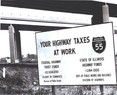 Illinois - Sign at a construction site on Interstate 55.