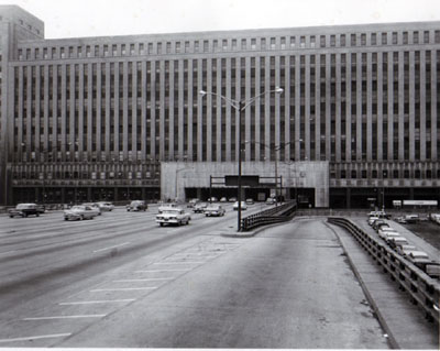Interstate 90 (Congress St. Expressway)  View of expressway thru Post Office Building looking east showing west side of expressway and building, Chicago, Ill.