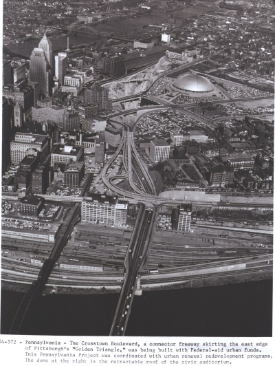 Pennsylvania - The Crosstown Boulevard, a connector freeway skirting the east edge of Pittsburgh's