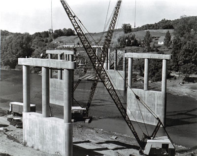 Vermont  Hartford.  A 1,059' structure spanning the White River approximately 5 miles northwesterly of  White River Junction.  This photograph was taken at the southerly end of the project looking north and depicts substructure construction that is currently under way.  It is anticipated that this structure will be opened to traffic in the fall of 1968.  This structure will be a major link in I-89 between River Junction and Montpelier.