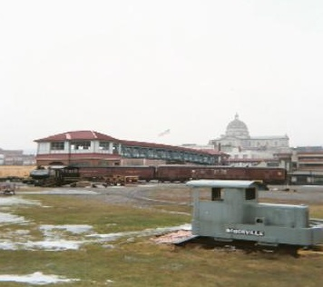 photo of Railroaders Memorial Museum with town hall in the background